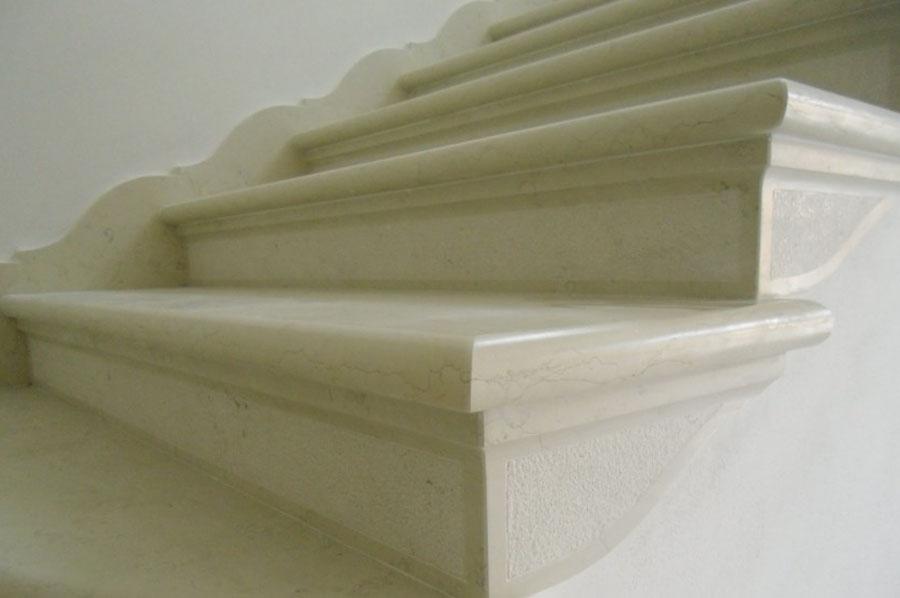 Scale in marmo a treviso montagner marmi - Marmo per scale ...
