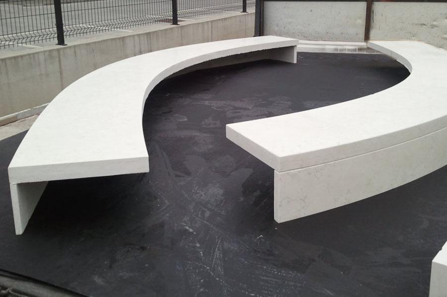 Panchine e arredi urbani in pietra e marmo a treviso for Arredo urbano panchine